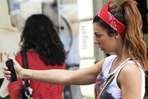 Анна СЕДОКОВА не устает фотографировать себя повсюду (фото Splash/All Over Press)