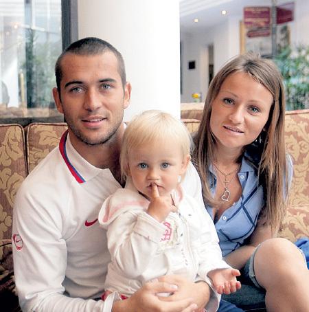 фото мужчин вместе с женщиной в обнаженном виде