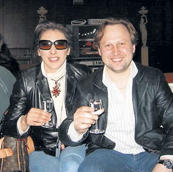 В России САБРИНА научилась пить горькую (с директором артиста Геннадием ЛЯДОВЫМ