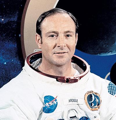 Астронавт Эдгар МИТЧЕЛЛ описывает виденных им инопланетян как маленьких человечков с большими головами