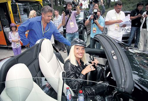 Звезда любит роскошные авто