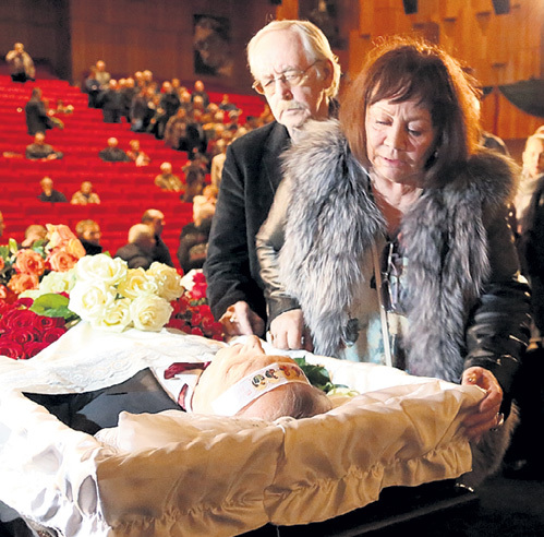ЛИВАНОВ и Лариса ЛУЖИНА потеряли друга