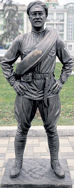 В 2012 году в Самаре установили памятник красноармейцу Сухову. По сценарию фильма именно в этом городе он жил. Фото: progorodsamara.ru