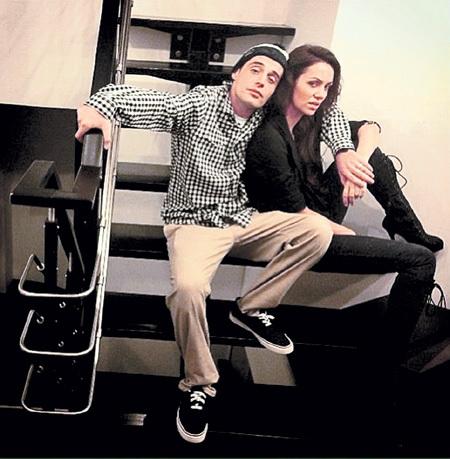 С Лерой КОНДРОЙ Алексей ДОЛМАТОВ познакомился во время съёмок клипа. Фото: Instagram.com