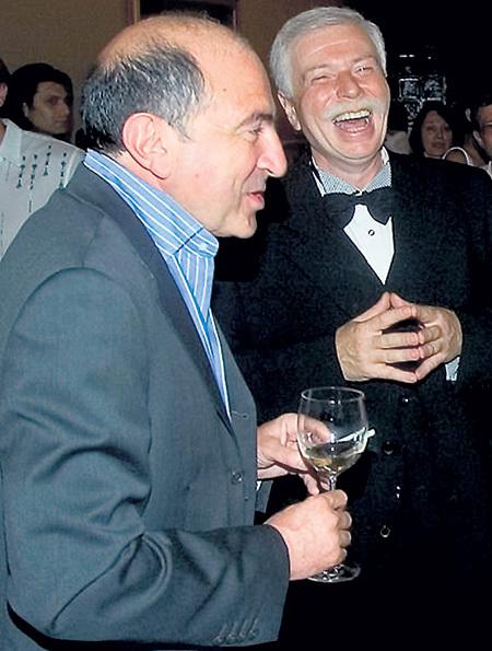 Даже близкий друг олигарха Бадри ПАТАРКАЦИШВИЛИ (справа) не всегда мог удержать его от роковых ошибок