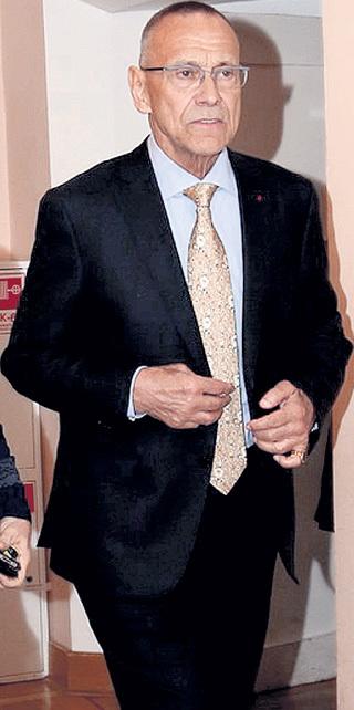 Приходом на церемонию президент киноакадемии «Ника» Андрей КОНЧАЛОВСКИЙ показал, что, несмотря ни на что, жизнь продолжается...