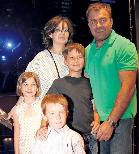 Владимир епифанцев жена и дети фото