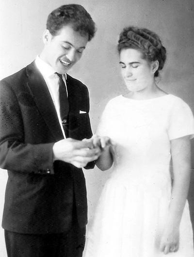 Женя и Наташа сыграли свадьбу в Кишиневе (1962 г.)