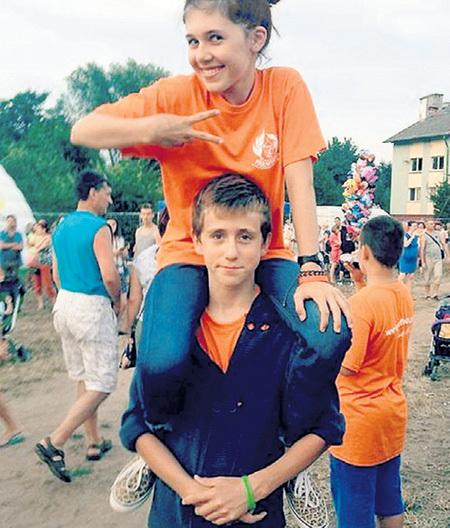У Сабины много друзей-мальчишек, но взрослеть она не спешит. Фото: Vk.com