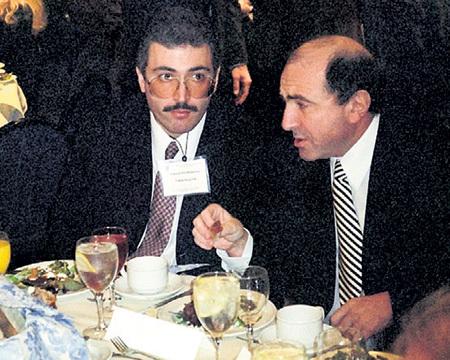 Первые олигархи - Михаил ХОДОРКОВСКИЙ и Борис БЕРЕЗОВСКИЙ - получили от ЕЛЬЦИНА карт-бланш на грабёж страны