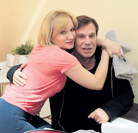 Неожиданная встреча в кафе фитнес-клуба «World Class» стала для Анны ЯКУНИНОЙ и Ефима ШИФРИНА приятным сюрпризом