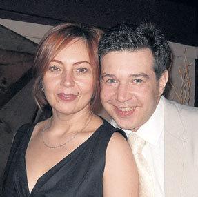 Три года назад ЧУМАКОВ женился на бизнесвумен Людмиле НАРКУЛОВОЙ, бросил пить и снова занялся творчеством (Фото: Vk.com)