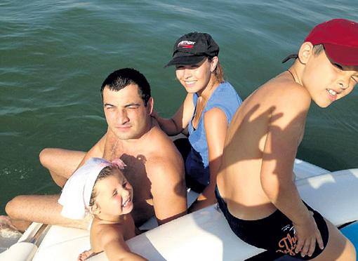 Дочь Лидия с мужем и детьми - Катей и Стефаном