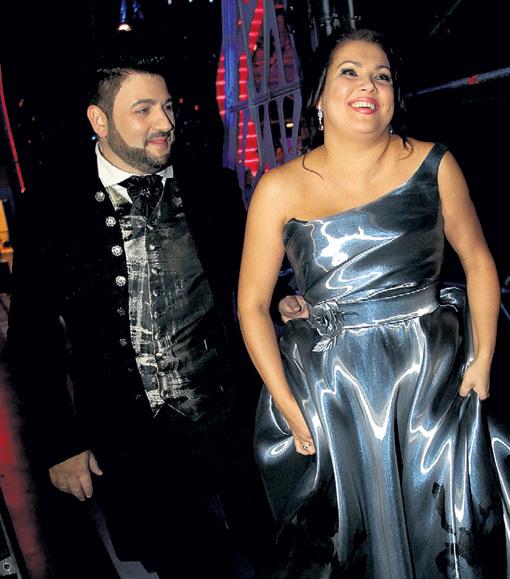 Некоторые издания почему-то решили, что НЕТРЕБКО беременна от азербайджанского певца Юсифа ЭЙВАЗОВА (слева). А другие, что сильно похудела. На наш взгляд, и то, и другое — полный бред