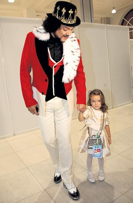 Царь Филипп впервые вывел принцессу Аллу-Викторию в высший свет