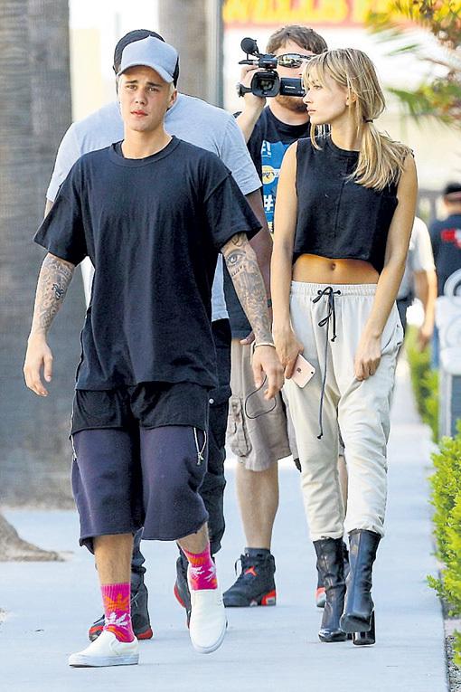 БИБЕР не выносит одиночества. По возвращении с Бора-Бора, когда Джейд была несколько часов занята, певец гулял по Лос-Анджелесу с 18-летней моделью и танцовщицей Хейли БОЛДУИН, дочерью актёра Стивена БОЛДУИНА