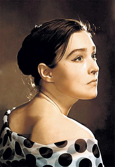 ЗАВЬЯЛОВА была одной из самых красивых советских актрис