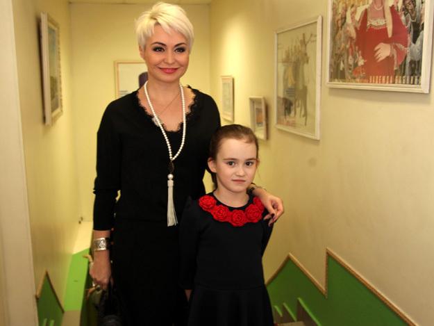 Катя ЛЕЛЬ с дочкой Эмилией
