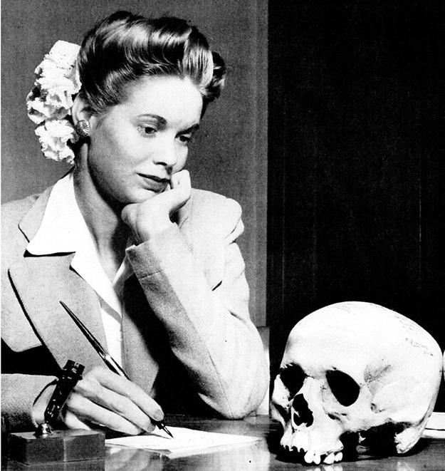 Снимок из «Life»: можно ли представить, чтобы фото советской девушки с черепом немца опубликовали журналы «Работница» или «Крестьянка»? Фото: Wikipedia.org