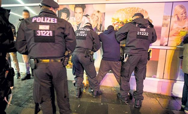 Полиция арестовывает беженцев, только когда доходит до убийства...