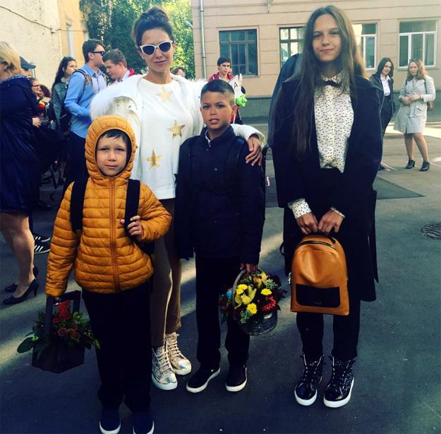 Катя КЛИМОВА со старшими детьми