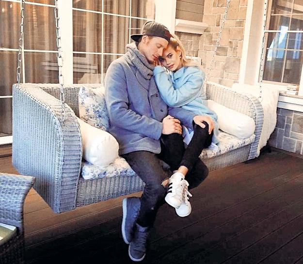 ПРЕСНЯКОВ и его возлюбленная Ал`на играют в семью на даче Аллы Борисовны. Фото: Instagram.com