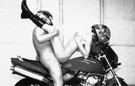 seks-na-mototsikle-smotret-onlayn