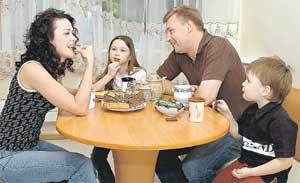ДМИТРИЙ И НАСТЯ С ДЕТЬМИ АННОЙ И МАЙКЛОМ: ещё недавно были счастливой семьей