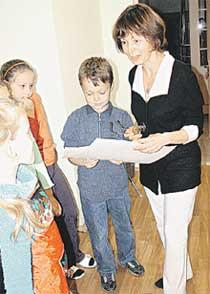 ПЕДАГОГ: Татьяна Владимировна передает опыт детишкам