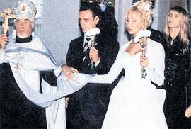 ВЕНЧАНИЕ: с бывшей женой Евгенией Игорь венчался, а с Оксаной валяет дурака