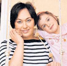 С дочерью Ольгой. Снимок 2006 года