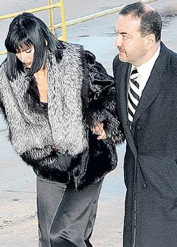 Вдова Александра АБДУЛОВА Юлия МЕШИНА всегда может опереться на плечо друга семьи бизнесмена Алексея ОРЛОВА