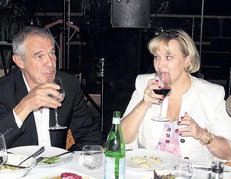 Проштрафившись на «Кинотавре» Сергей ГАРМАШ пил минералку, а его жена Инна ТИМОФЕЕВА - красное вино