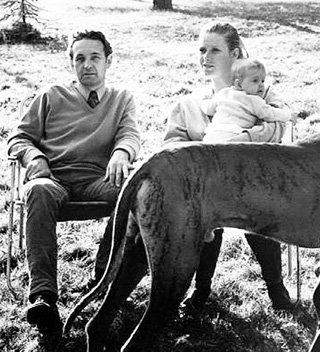 С первым мужем знаменитым режиссёром Анджеем ВАЙДОЙ Беата прожила в официальном браке пять лет, родив дочь Каролину
