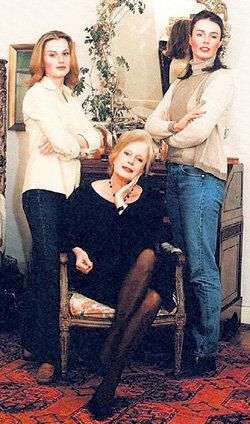 Дочерей Викторию и Каролину актриса считает своим главным богатством