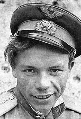 Бравый вояка Володя КАШПУР в кино «из окопа» не вылезал