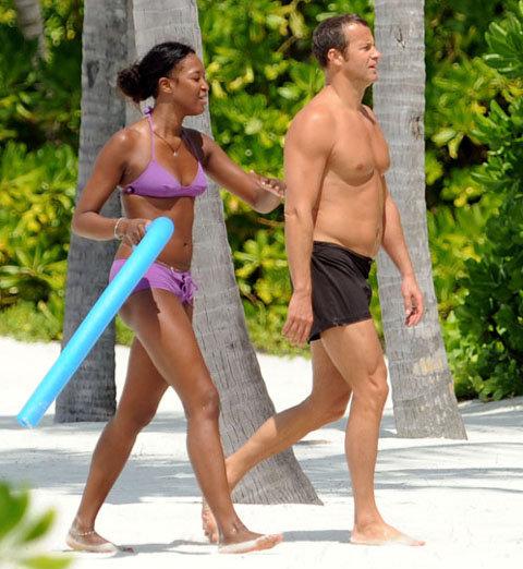 Звездная пара отдыхает то на Сейшелах…