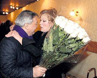 Розы от Алимжана ТОХТАХУНОВА Людмиле Марковне пришлись по душе