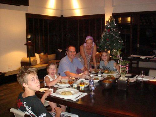 Рождественский ужин в номере отеля