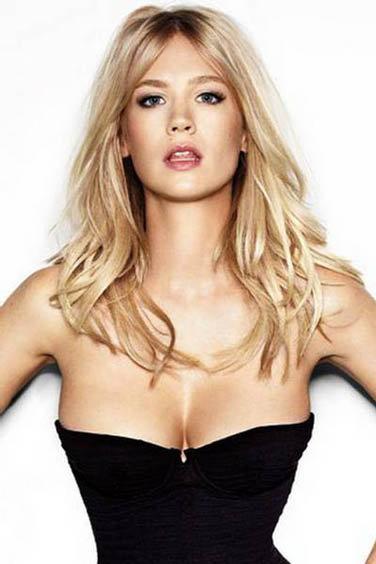 18 место: модель Дженьюэри Джонс.