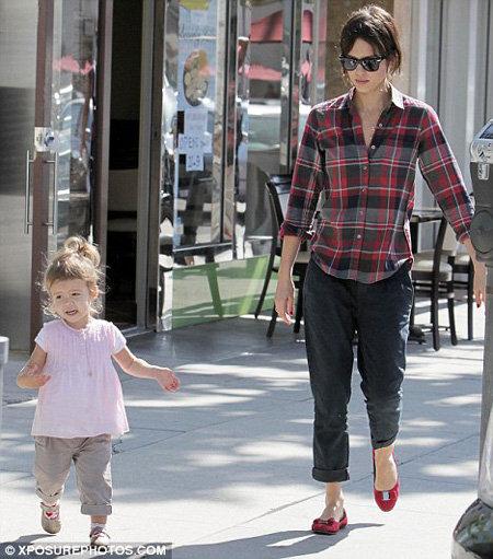 Джессика Альба с дочкой Хонор. Фото Daily Mail