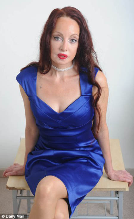 50-летняя Нилен подвергла себя 53-м пластическим операциям, чтобы приблизиться к своему идеалу. Фото: Daily Mail