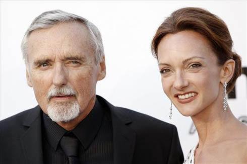 Актер с экс-супругой Викторией.
