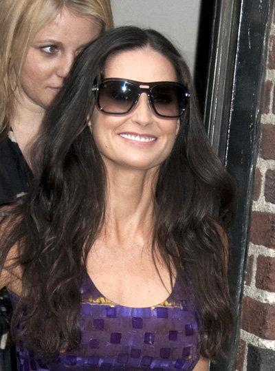 Из-за подтяжки лица шея актрисы стала казаться слишком длинной - фото showbizspy.com