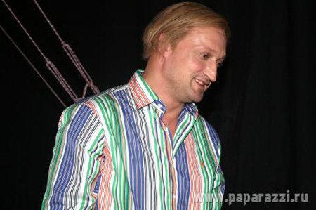 Гоша Куценко наконец-то оброс волосами и стал симпатичным блондином. Фото paparazzi.ru