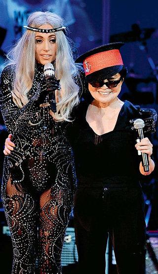 Глядя на Йоко ОНО и Lady Gaga, видишь, во что превратился рок-н-ролл за 40 лет