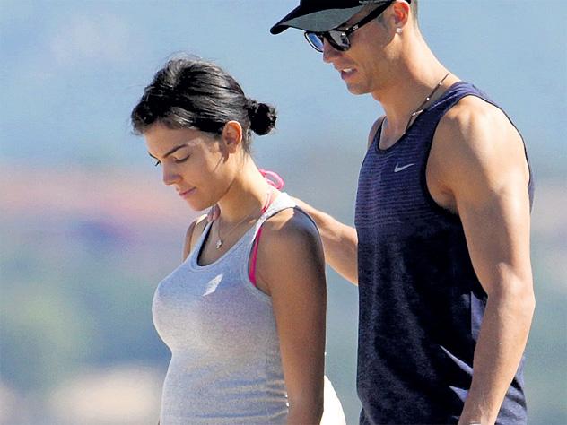 Любовница Криштиану Роналду беременна