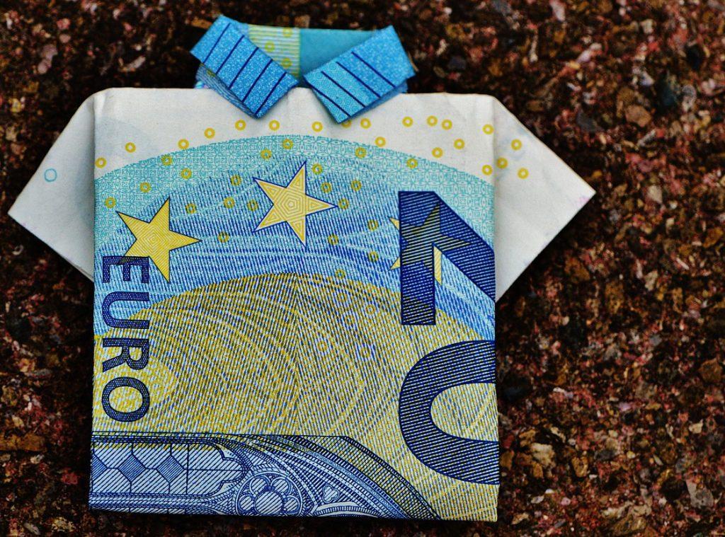 25 евро в рублях
