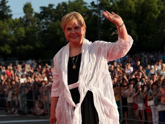 Картинки по запросу Догилева позавидовала 17 тысячам Пугачевой