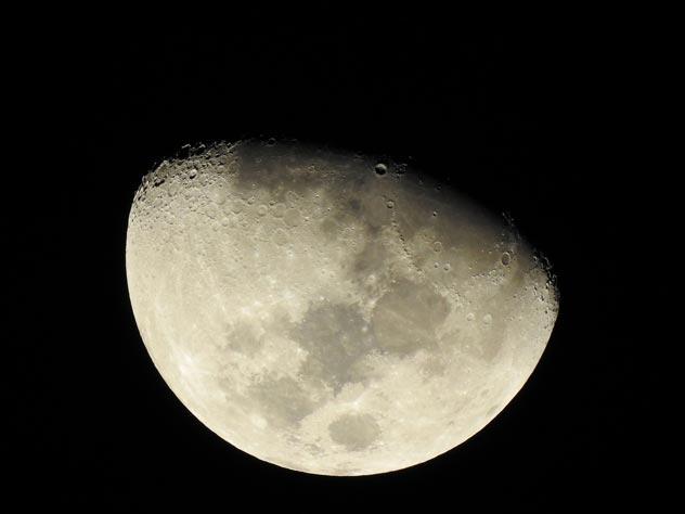 Самые невероятные находки, обнаруженные на Луне